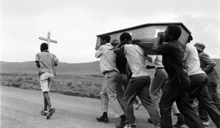 Funeral of two comrade youth abducted and killed in the 'Natal War'. Mphophomeni. KwaZulu Natal. 1987.