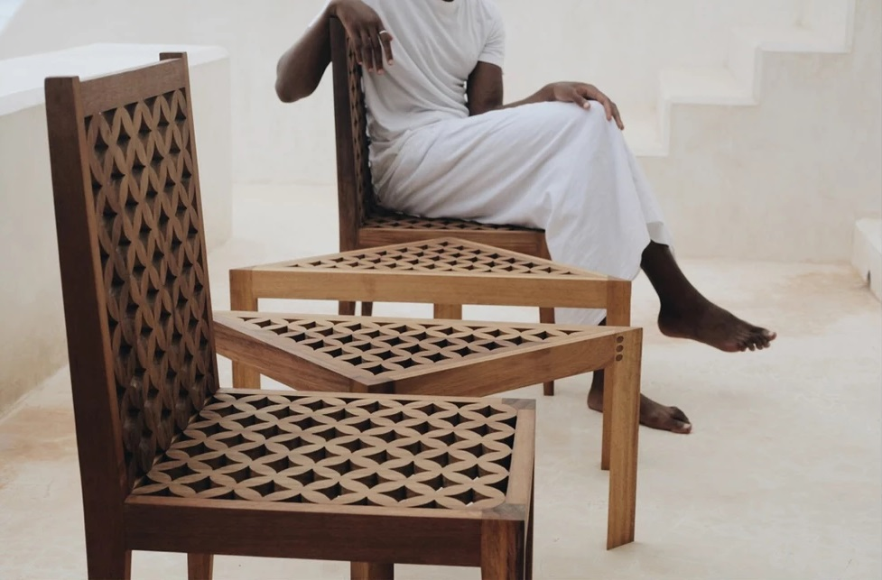 Mashirbirya Chair and Sidetable from Saba Furniture